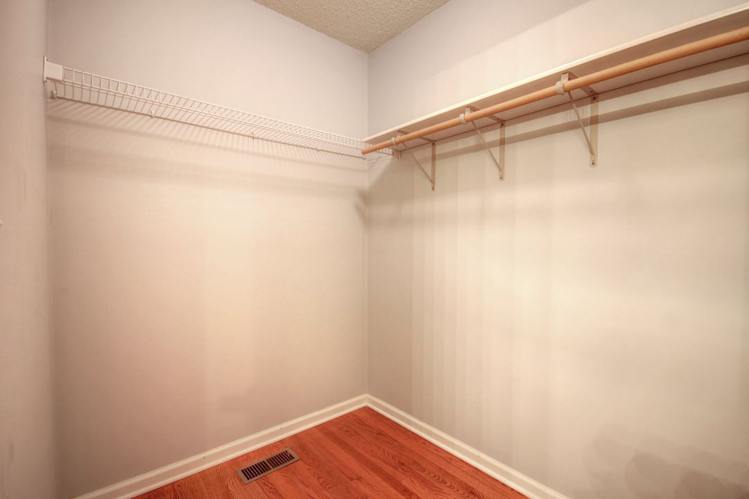 07_closet