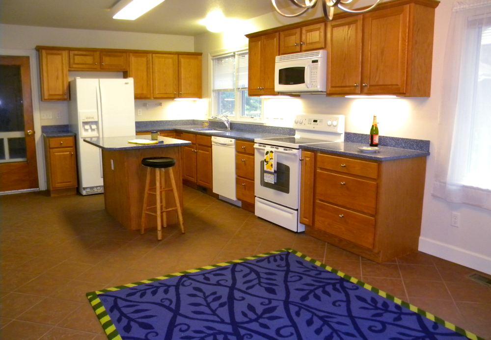 2010race2_kitchen1
