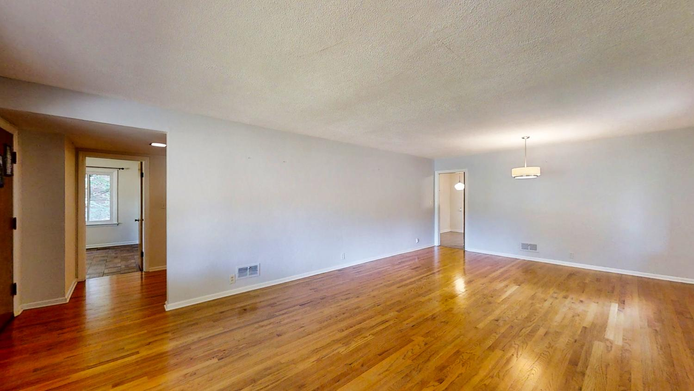 801-S-Elm-Blvd-Champaign-IL-large-019-036-LivingRoom4-1500x844-72dpi