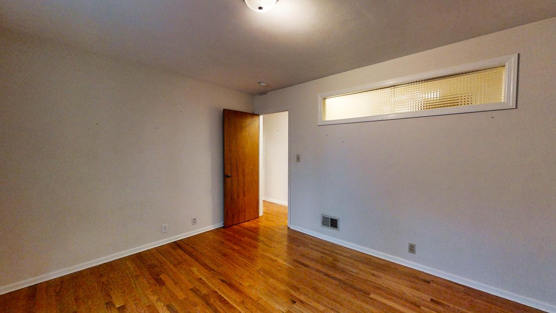 801-S-Elm-Blvd-Champaign-IL-large-028-026-Bedroom21-1500x844-72dpi